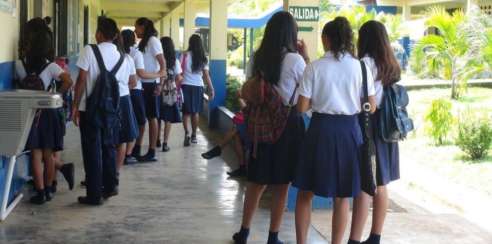 El colegio Belisario Villar está afectado por fibra de vidrio