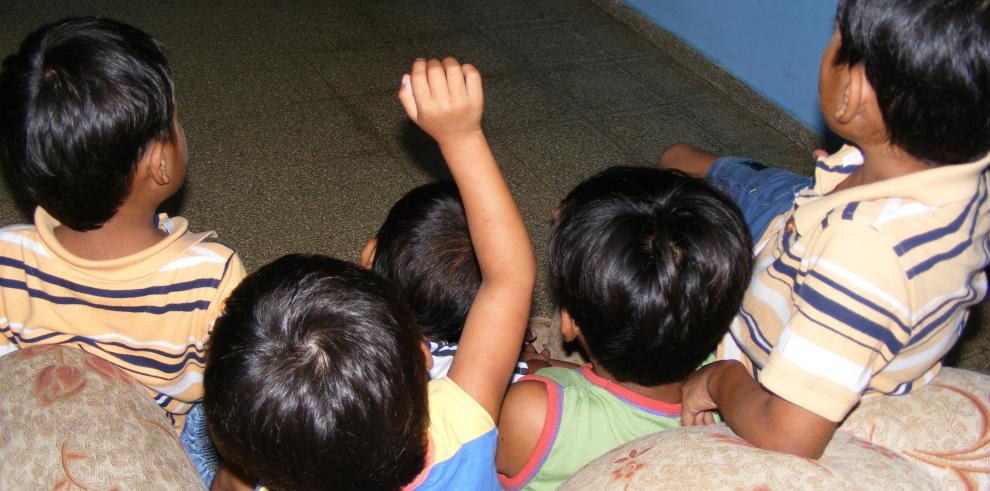 Nepal prohíbe que menores de 16 viajen solos para evitar tráfico