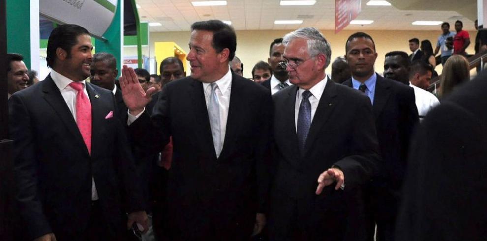 Varela pide apoyo al sector privado