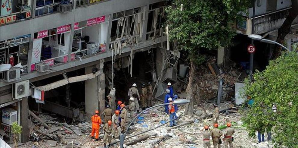 Fuerte explosión en Río deja 7 heridos y varios inmuebles destruidos