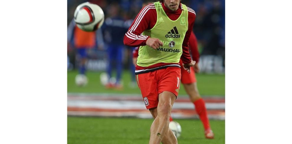 Bale tiene una lesión muscular y está
