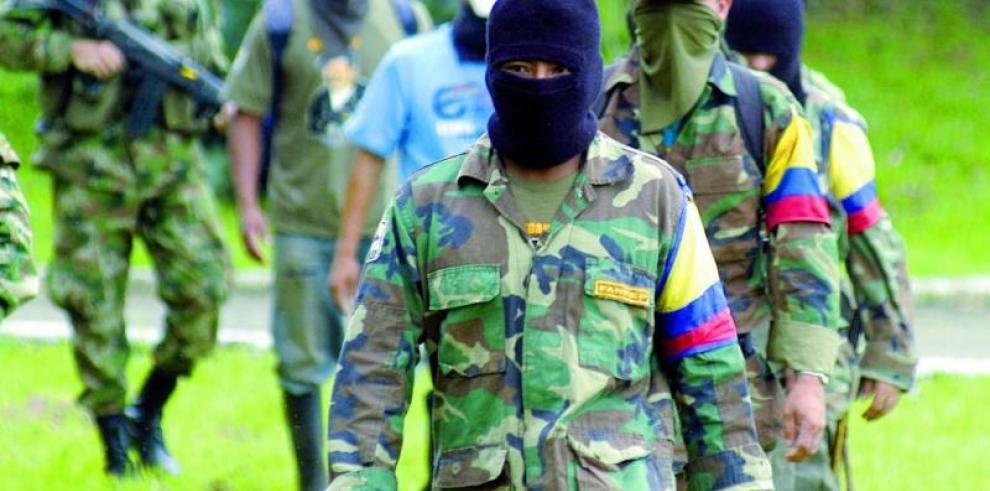 Dos soldados muertos y tres heridos dejan combates con las FARC