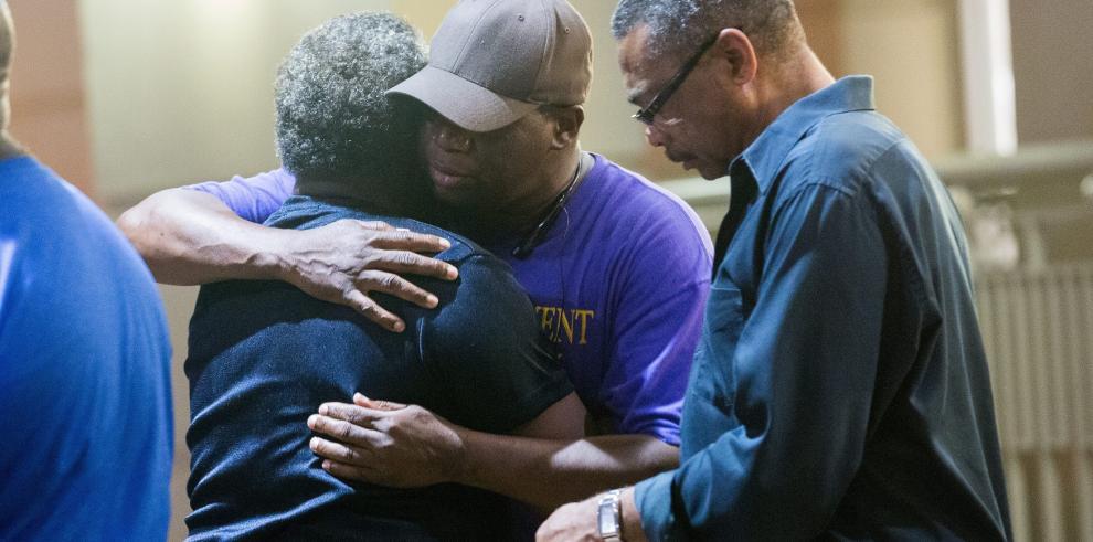 Tiroteo en iglesia negra de EE.UU. deja nueve muertos
