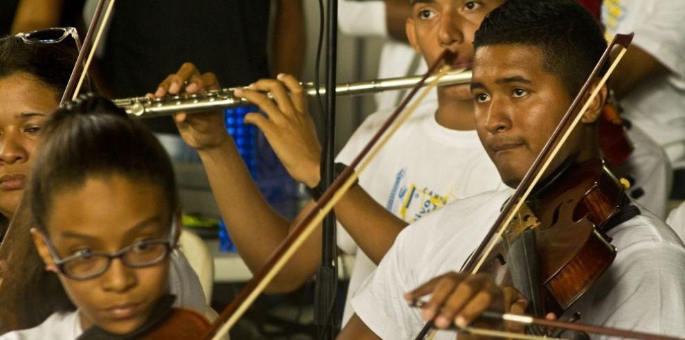Campamento juvenil musical en Colón