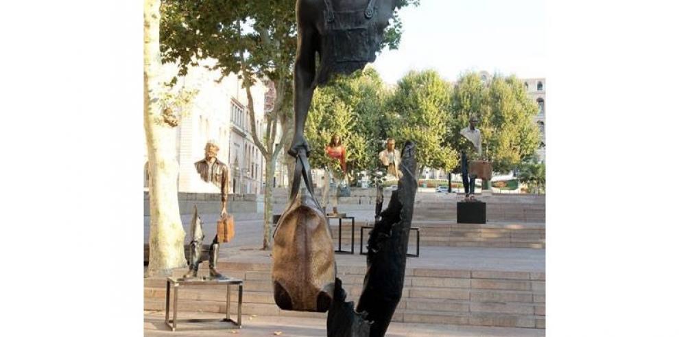 Impresionantes estatuas de bronce incompletas