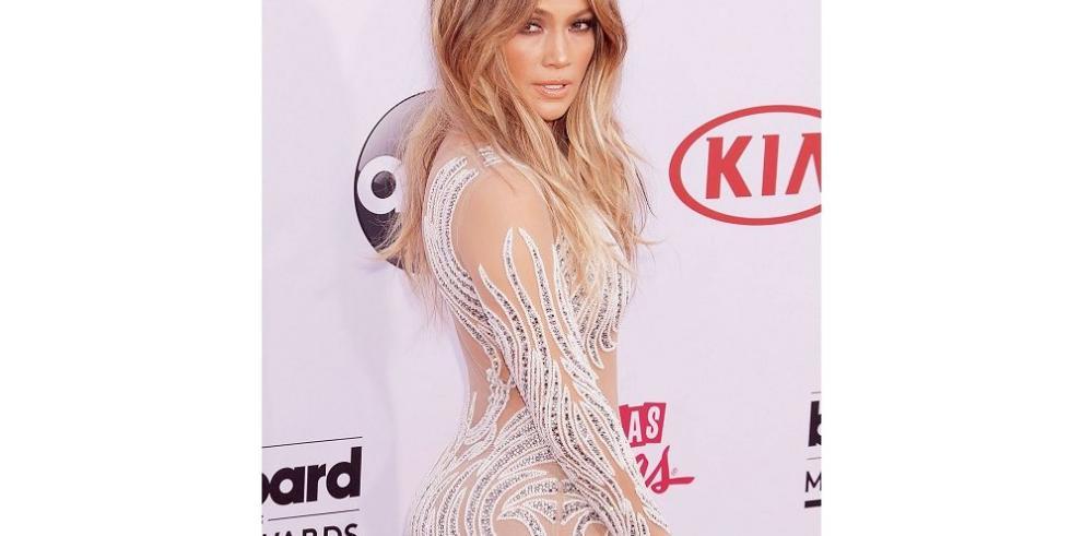 Denuncian a Jennifer Lopez