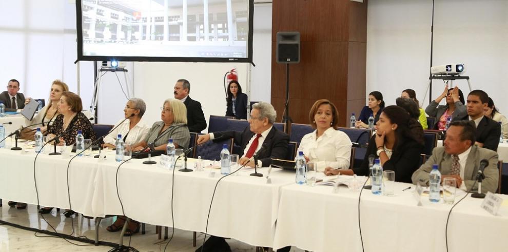 Financiamiento electoral fueron analizados en la CNRE 2015