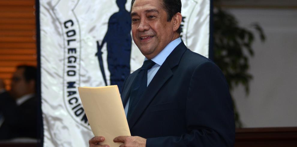 José Álvarez anunció que buscará votos para reelegirse en el CNA