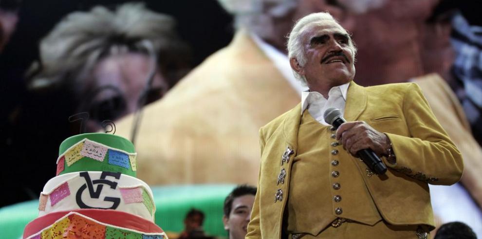 Cantante mexicano Vicente Fernández con