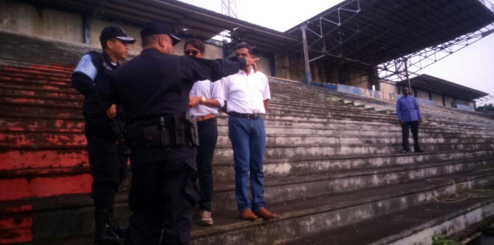 Realizan jornada de limpieza en el estadio Juan D. Arosemena