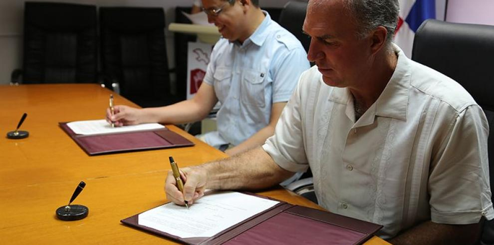 MiAmbiente firma convenio de Cooperación Científica y Técnica