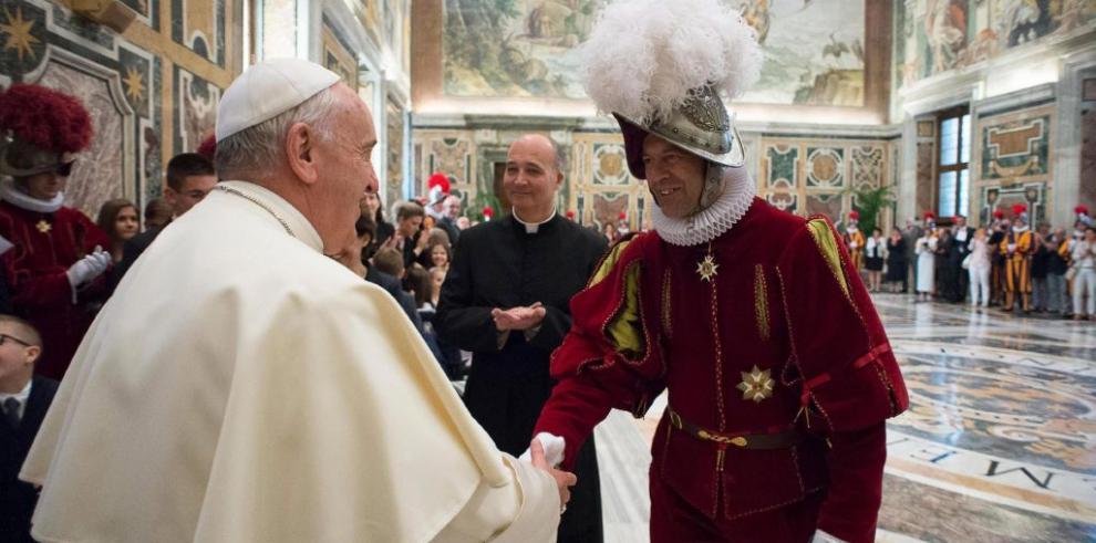 Papa pide que recen por él y se confiesa