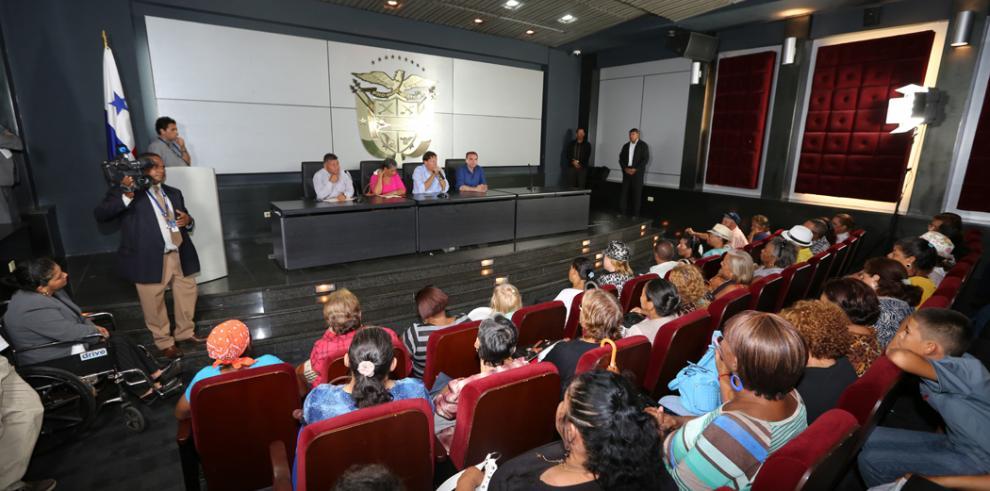 Varela sancionará ley que otorga pensión a pacientes de Dietilenglicol