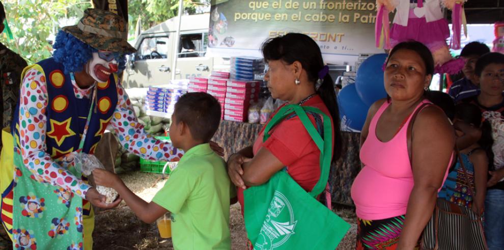 Asistencia social a la población de Metetí