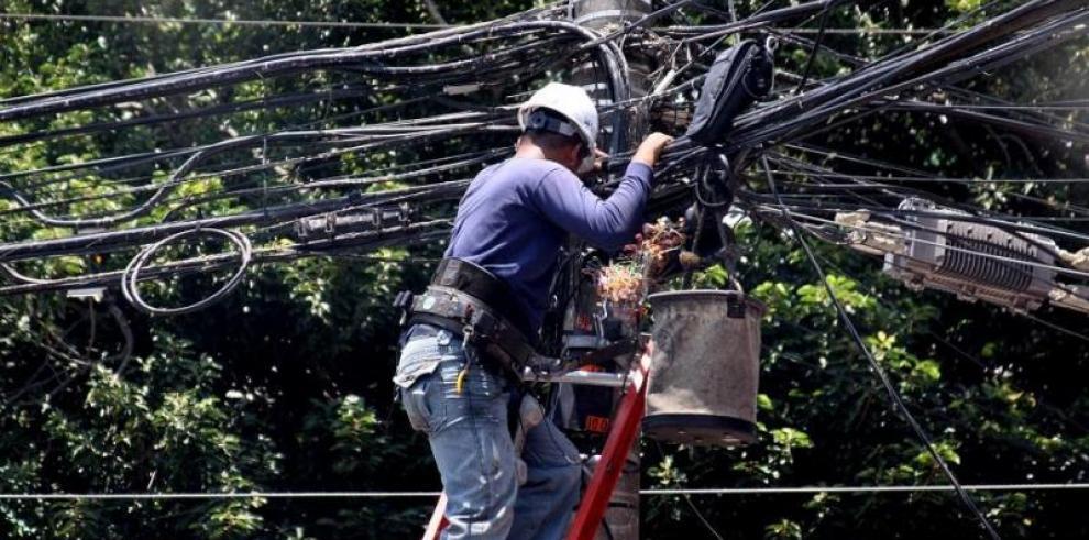 ENSA interrumpe suministro de energía eléctrica por accidente