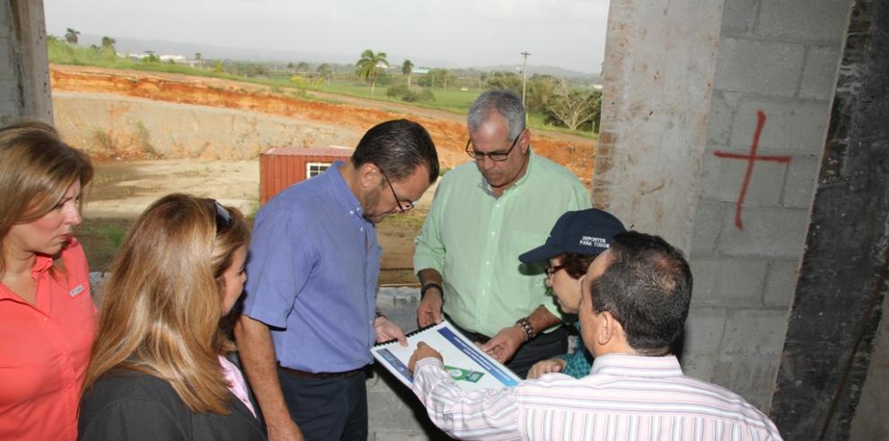 Inspeccionan proyecto de Ciudad Deportiva en Colón