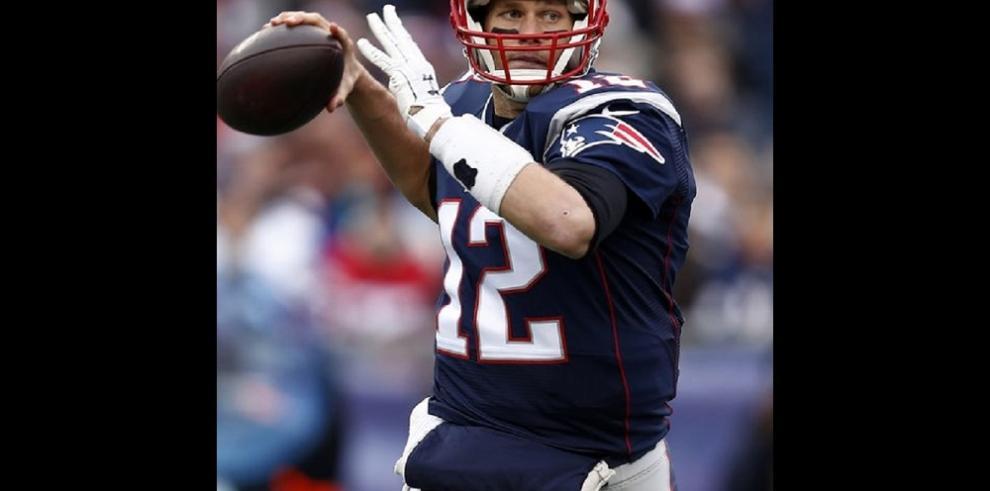 Tom Brady es suspendido cuatro juegos por balones desinflados