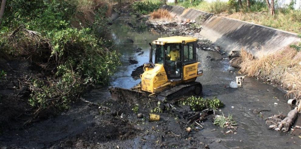 MOP inicia plan de dragado en ríos del país