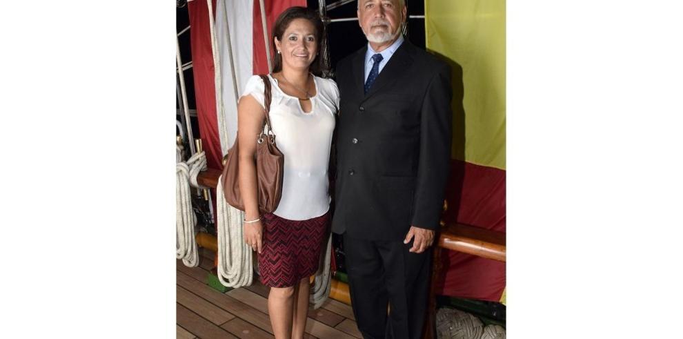 El Cuauhtémoc visita la ciudad de Panamá