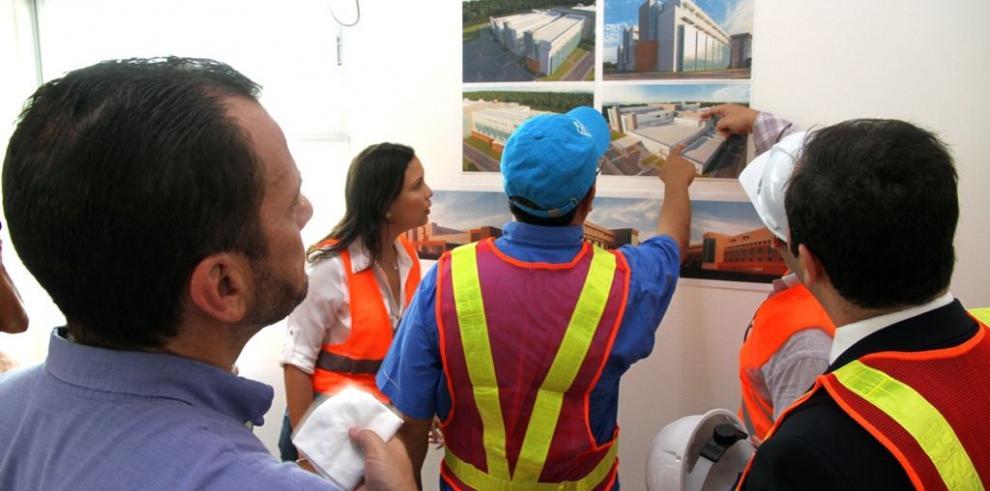 Contraloría inspecciona construcción del Hospital Amador Guerrero
