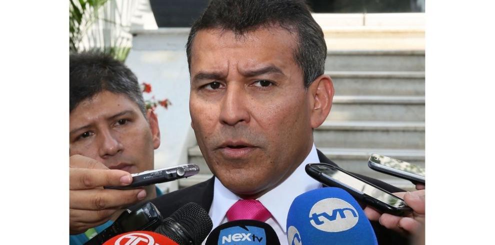 Mejía analizará hoy la legalidad del proceso contra Martinelli