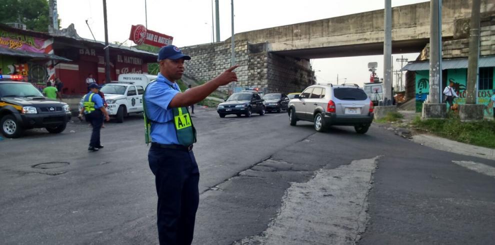 """ATTT sorprende a """"piratas"""" con operativo en San Miguelito"""