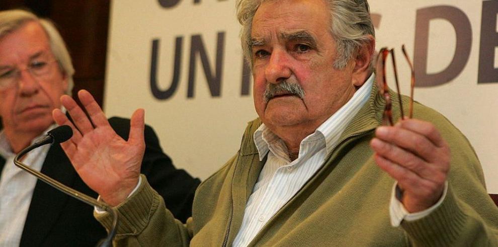 Mujica justifica déficit uruguayo por las inversiones