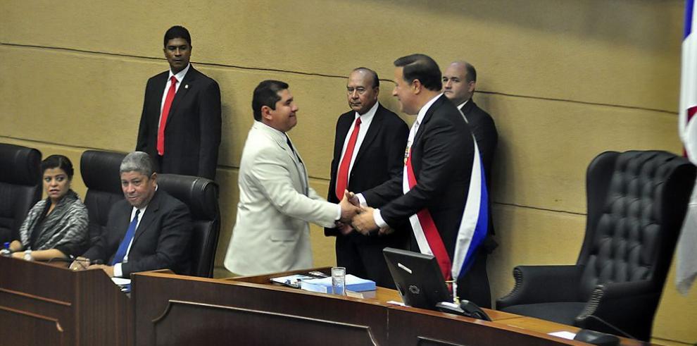 """Diputados debaten sobre supuesto """"golpe"""""""