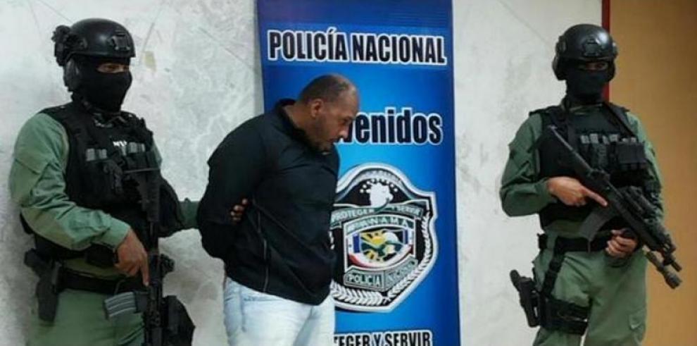 José Cossio llegó a Panamá en avión presidencial
