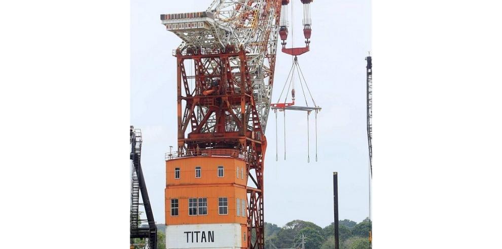 Titán, la grúa de Hitler que opera en el Canal de Panamá