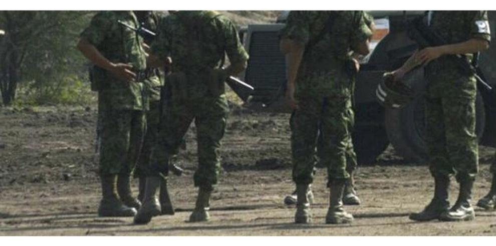 Tres militares mueren en México tras ataque armado