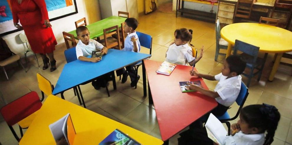 Meduca plantea nuevo modelo para evaluar al educador