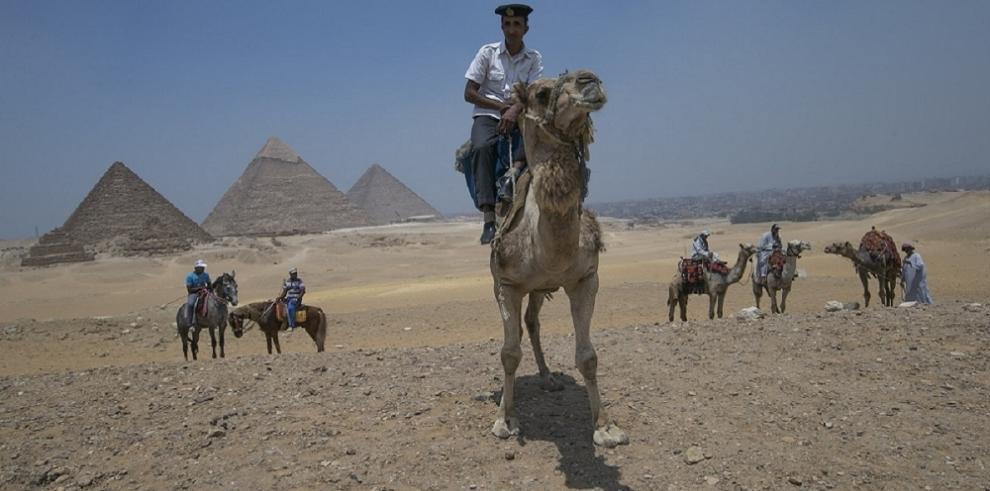 Turistas mexicanos muertos en Egipto fueron bombardeados desde el aire