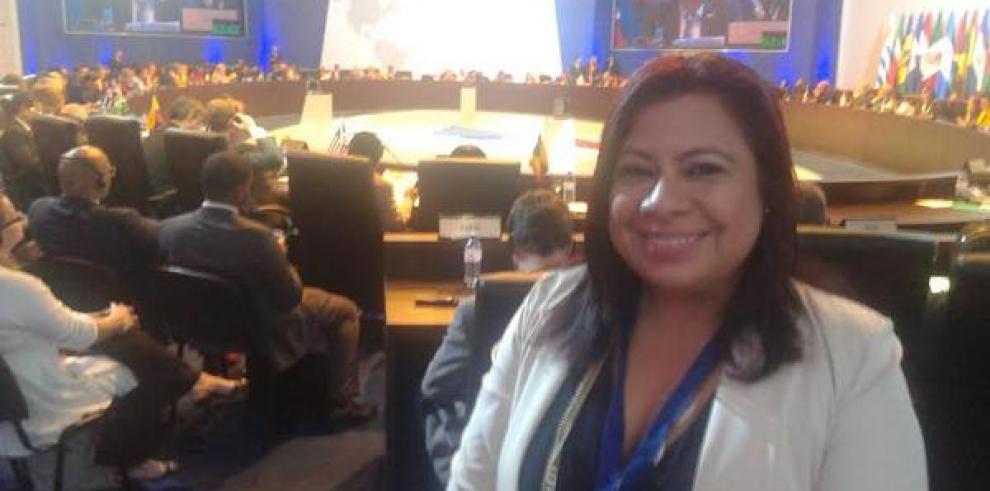 Castalia Pascual renuncia a su cargo en la Presidencia