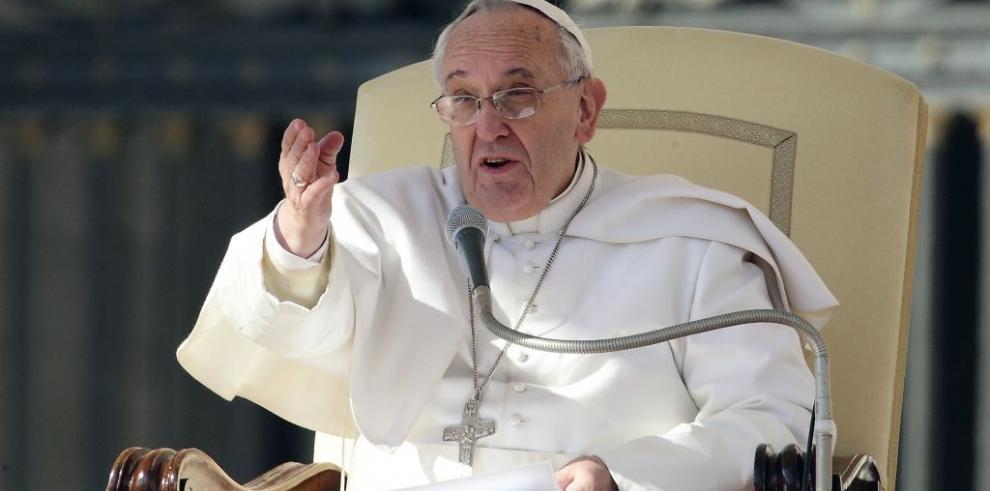 Papa dice que conventos transformados en hoteles deben pagar impuestos