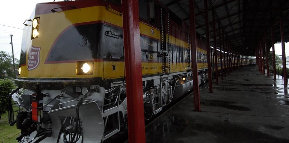 Trabajadores del ferrocarril inician huelga por paga salarial