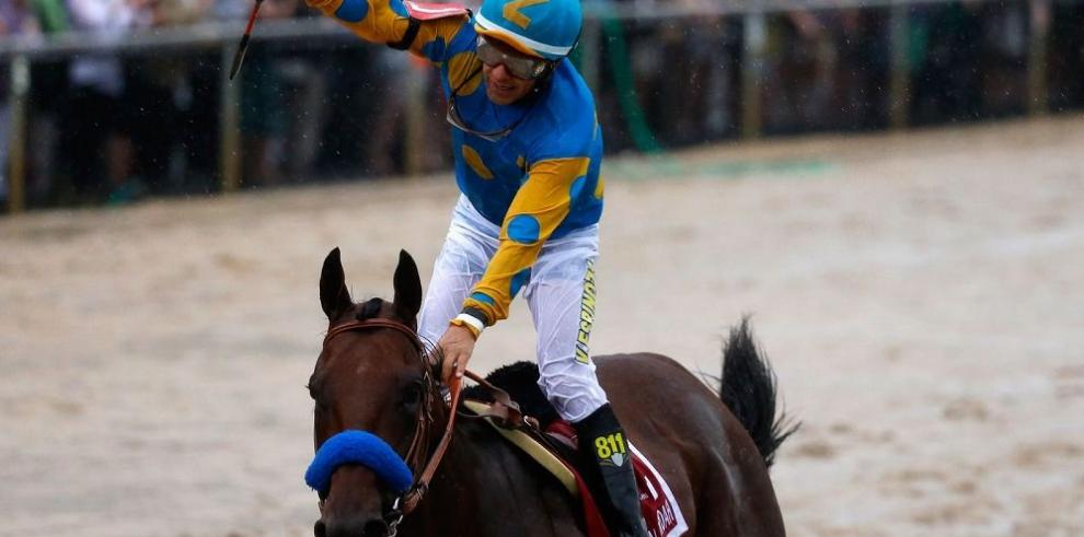 """American Pharoah"", un virtual Triple Coronado"