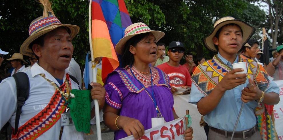 Los indígenas reclaman educación intercultural