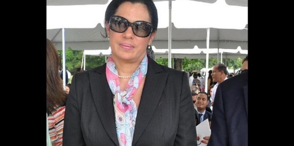 Exviceministra del MEF recibe medida cautelar de casa por cárcel