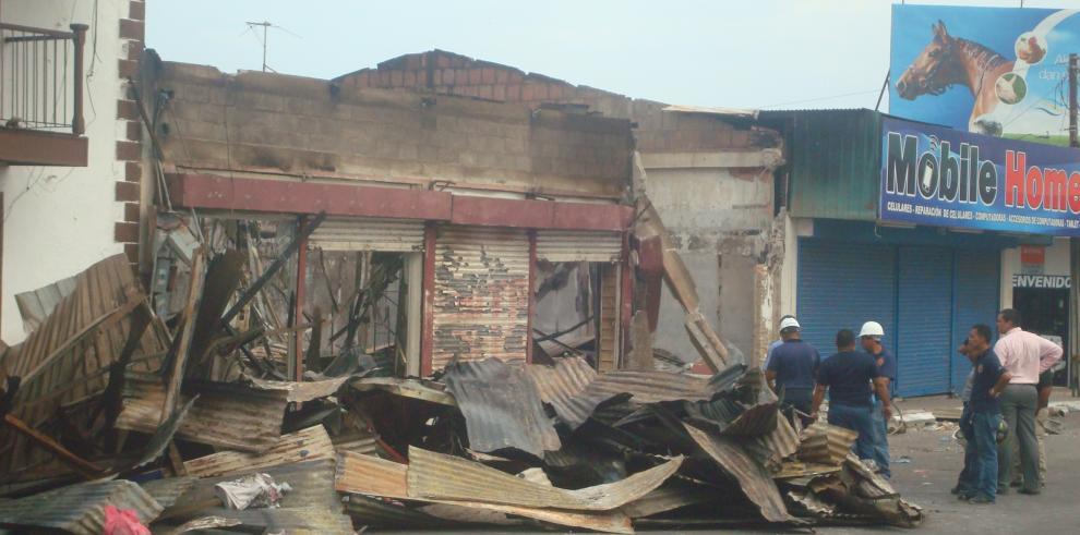 Bomberos inician investigación de segundo incendio en Aguadulce