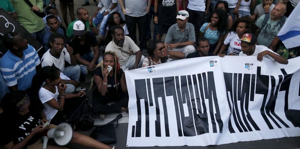 Israelíes de origen etíope se manifiestan contra el racismo