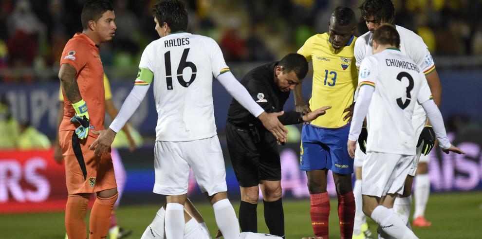 Bolivia acaricia el pase a cuarto de la Copa América