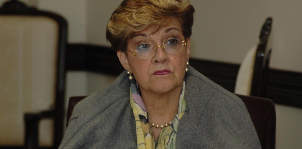 Se oponen a postulación de Troitiño como defensora de derechos humanos
