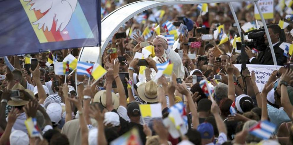 Francisco en la Plaza de Revolución de La Habana en la primera misa