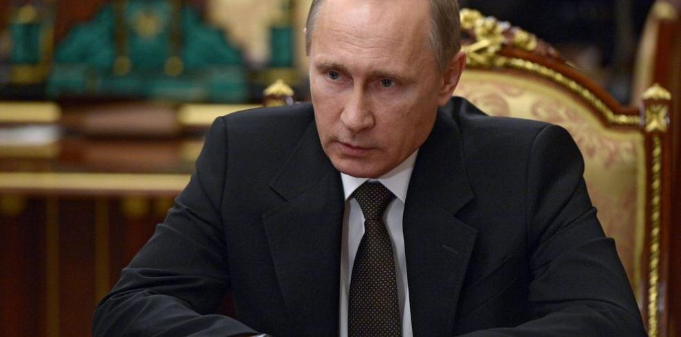 Ingresos de Rusia caen por primera vez