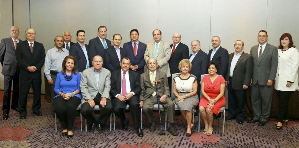 Celebran asamblea general de accionistas