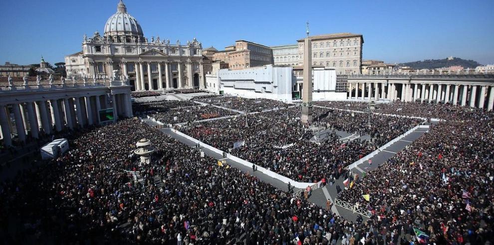 Vaticano ejerce controles a sus finanzas