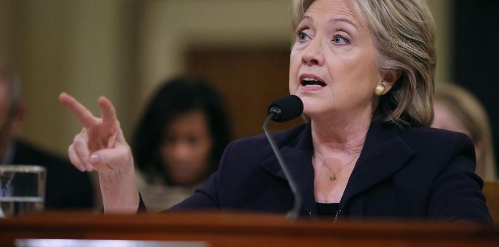Clinton asume la responsabilidad por atentado en Bengasi