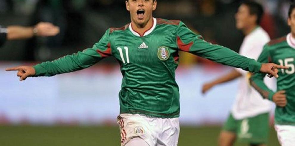 'Chicharito' y Vela, convocados por México para la Copa Oro