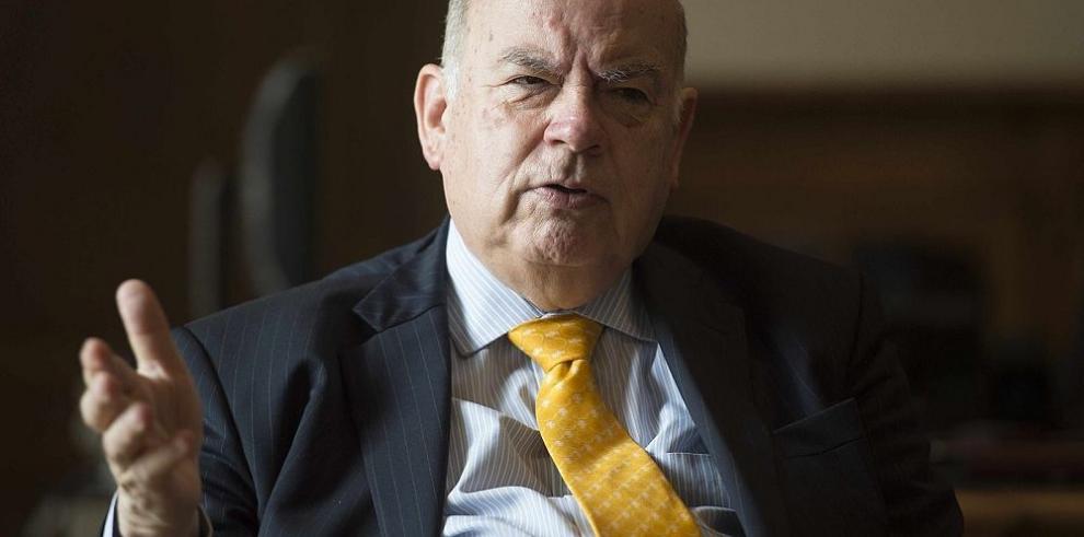 Insulza deja la OEA tras diez años en la secretaría general
